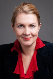Dr Rebecca Ayers